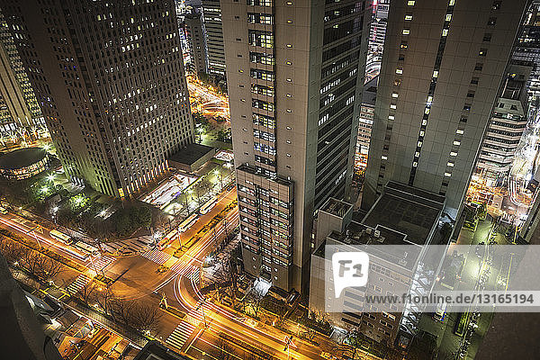 View of streets and traffic at night  Tokyo  Japan