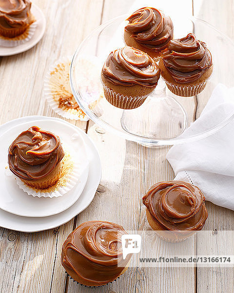 Teller mit Dulce de leche Muffins