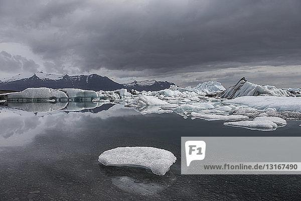 Gletscherlagune  Jokulsarlon  Vatnajokull-Nationalpark  Island