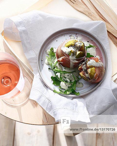 Teller mit Gorgonzola gefüllte Feigen