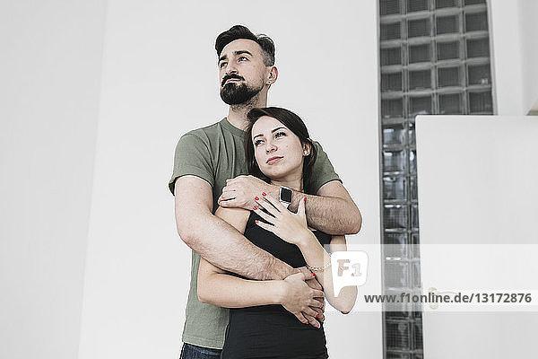 Porträt eines Ehepaares zu Hause