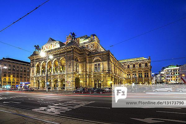 Österreich  Wien  Wiener Staatsoper  Blaue Stunde
