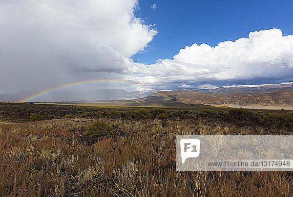 USA  Utah  Landschaft und Regenbogen