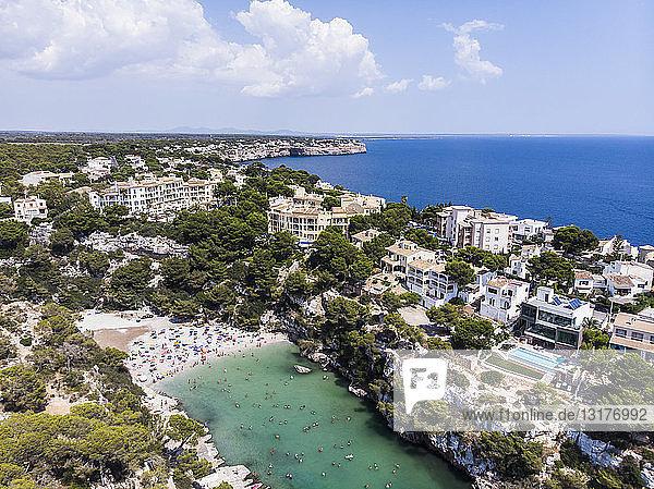 Spanien  Balearen  Mallorca  Llucmajor  Luftaufnahme der Bucht von Cala Pi