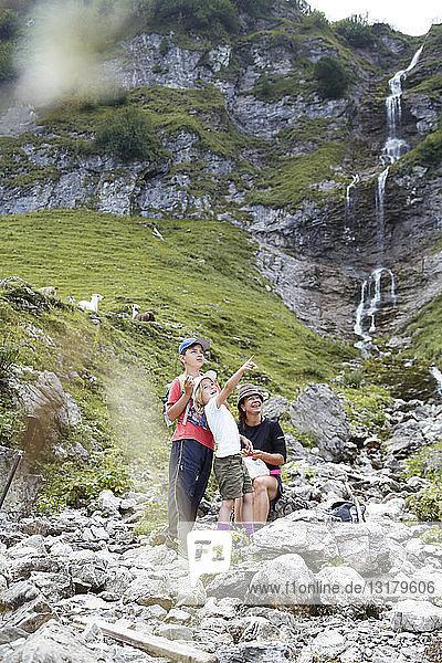 Österreich  Südtirol  Familienwandern