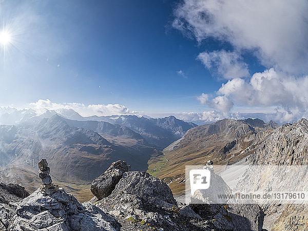 Grenzregion Italien Schweiz  Berglandschaft am Piz Umbrail