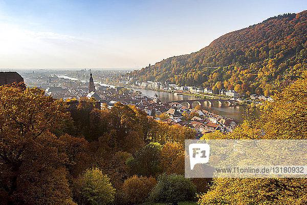 Deutschland  Baden-Württemberg  Heidelberg  Stadtansicht im Herbst
