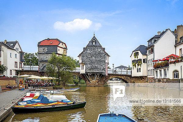 Deutschland  Rheinland-Pfalz  Bad Kreuznach  Altstadt  Alte Nahebrücke mit Brückenhäusern