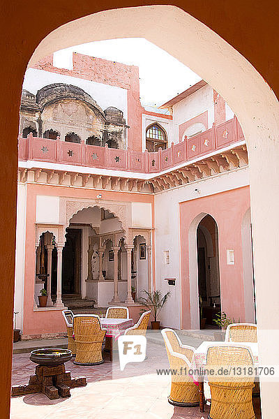 Indien  Rajasthan  Alwar  Heritage Hotel Ram Bihari Palace  Innenhof