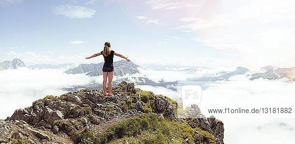 Österreich  Südtirol  Wanderer