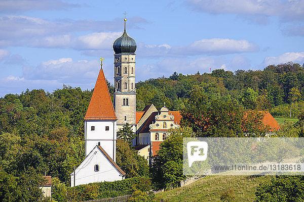 Deutschland  Bayern  Schwaben  Donau-Ries  Mönchsdeggingen  Abtei und St. Georgskirche