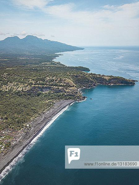 Indonesien  Bali  Karangasem  Luftaufnahme des Bugbug-Strandes