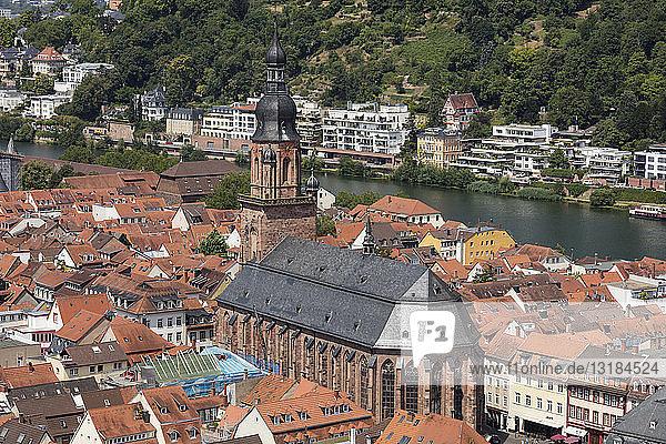 Germany  Baden-Wuerttemberg  Heidelberg  Neckar river  City view with Church of the Holy Spirit