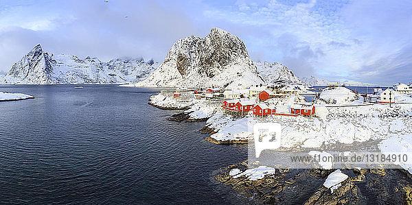 Norwegen  Lofoten  Insel Hamnoy  Fischerhütten