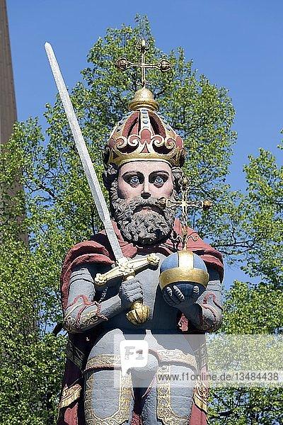 Wedeler Roland  Roland-Statue auf dem Marktplatz  Symbolfigur für Stadtrechte  Wedel  Schleswig-Holstein  Deutschland  Europa