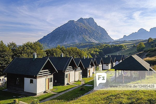 Almdorf-Hotel  Ethno Village Stavna  Komovi-Gebirge  bei Andrijevica  Montenegro  Europa