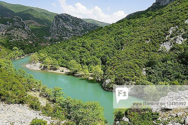 Fluss Mat bei Shkopet  Regionaler Naturpark Ulza  Albanien  Europa