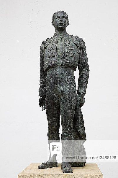 Antonio Ordonez  Stierkämpfer  Statue  Ronda  Andalusien  Spanien  Europa