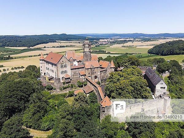 Luftaufnahme  die Ronneburg  Gemeinde Ronneburg  Main-Kinzig-Kreis. Wetterau  Hessen  Deutschland  Europa