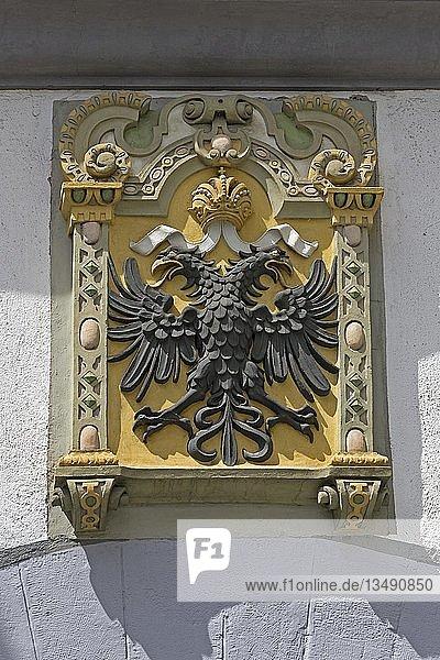 Doppeladler  Wappen an einer Hauswand  Altstadt  Wangen  Allgäu  Baden-Württemberg  Deutschland  Europa