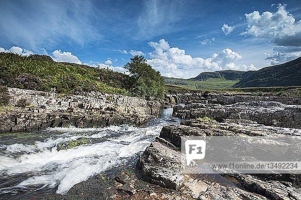 Der Fluss Strath Beag  Northern Highlands  Schottland  Großbritannien  Europa