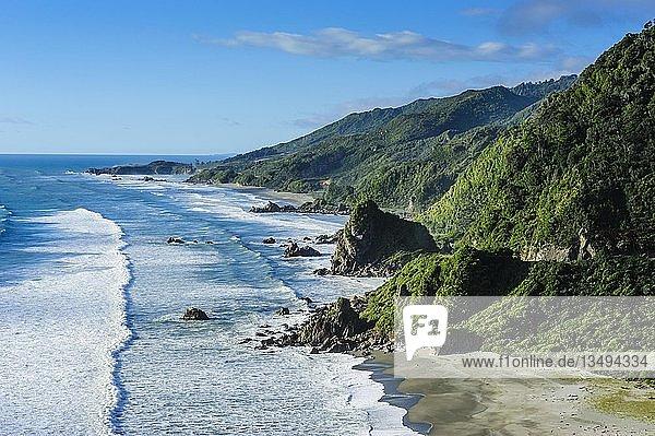 Unberührte Westküste zwischen Greymouth und Westport  Südinsel  Neuseeland  Ozeanien