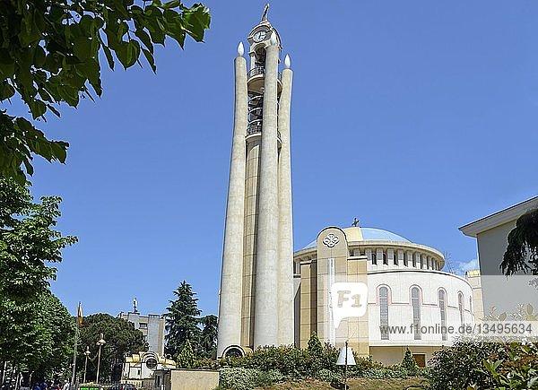 Orthodoxe Auferstehungskathedrale  Kathedrale der Wiederauferstehung Christi  Katedralja e Ringjalljës së Krishtit  Tirana  Albanien  Europa