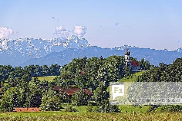 Holzhausen am Starnberger See  Gemeinde Münsing  Wettersteingebirge mit der Zugspitze  Fünfseenland  Alpenvorland  Oberbayern  Bayern  Deutschland  Europa