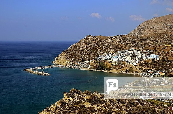 Blick auf Agia Galini  Kreta  Griechenland  Europa