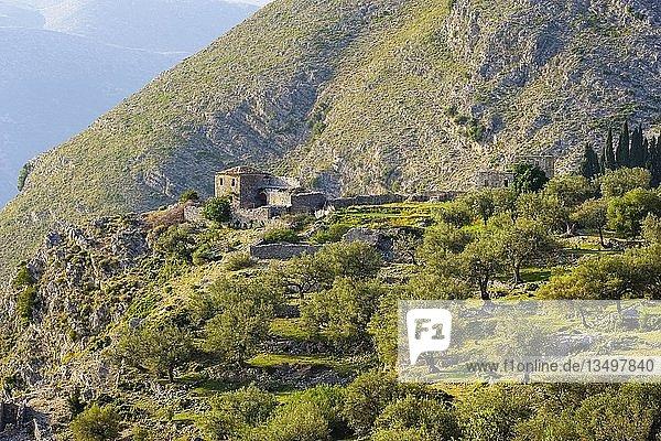 Verlassenes Haus in Qeparo  bei Himara  Albanische Riviera  Qark Vlora  Albanien  Europa