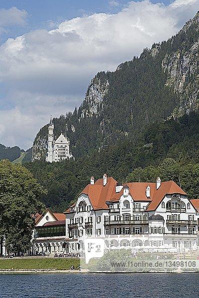 Schloss Neuschwanstein und Museum der bayerischen Könige  Hohenschwangau  Allgäu  Bayern  Deutschland  Europa