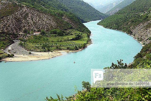 Fluss Mat  Shkopet Stausee  Regionaler Naturpark Ulza  Albanien  Europa
