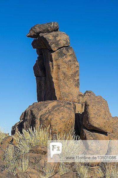 Bizarre Felsformationen  Giants' Playground  Ketmanshoop  Namibia  Afrika