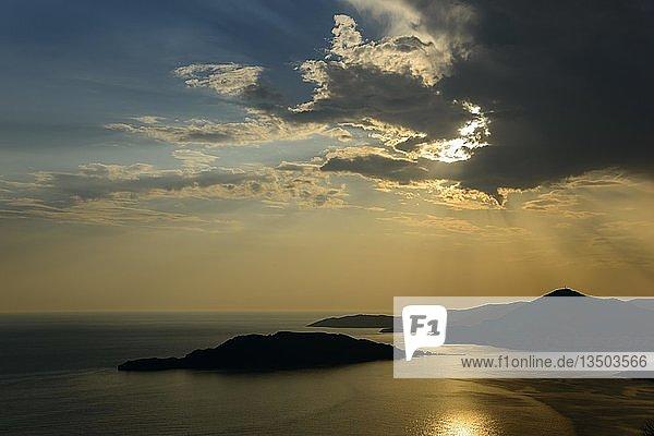 Sonnenuntergang  Küste nahe Budva  Montenegro  Europa