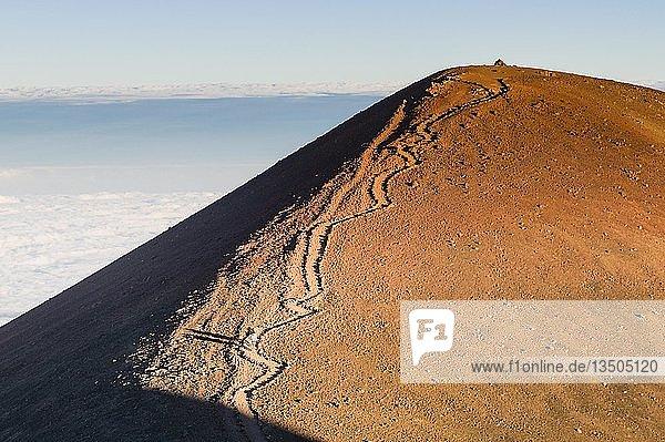 Wanderweg auf den Vulkankegel von Mauna Kea  Big Island  Hawaii  USA  Nordamerika