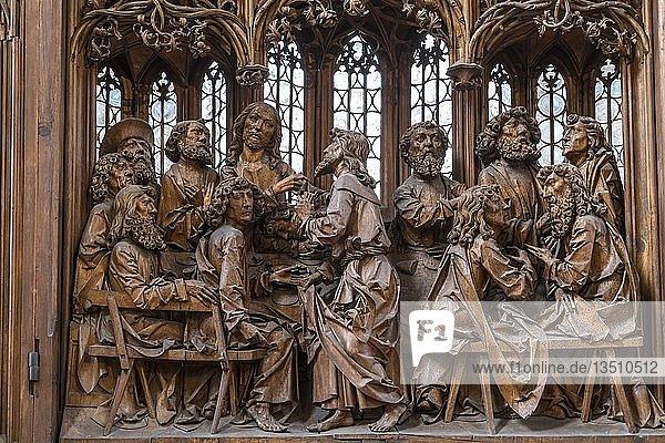 Heiligblut-Retabel des Würzburger Bildschnitzers Tilman Riemenschneider in der Stadtkirche St. Jakob  Rothenburg ob der Tauber  Bayern  Deutschland  Europa