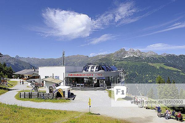 Bergstation Panoramabahn Elfer  1790 m  in den Stubaier Alpen  Tirol  Republik Österreich  Europa
