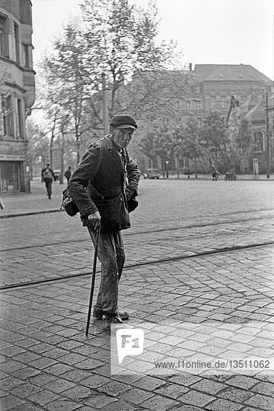 Kriegsheimkehrer  1948  Nordplatz  Leipzig  Sachsen  DDR  Deutschland  Europa