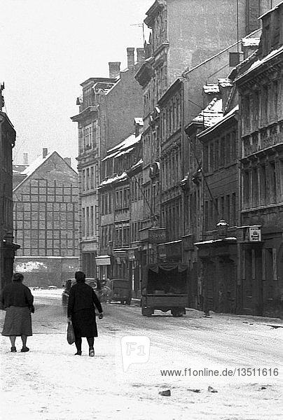 Straßenszene im Winter  1963  Gerberstraße Leipzig  Sachsen  DDR  Deutschland  Europa