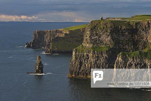 Cliffs of Moher  Klippen  Steilküste  Clare  Irland  Europa