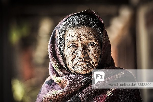 Alte Frau  Bandipur  Kathmandu Tal  Nepal  Asien
