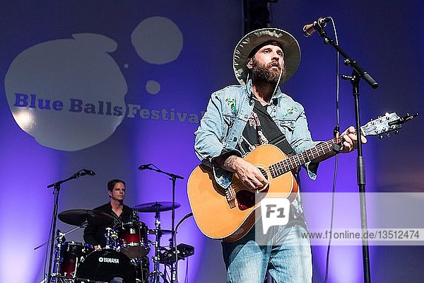 The Canadian folk pop band The Strumbellas live at the 25th Blue Balls Festival in Lucerne  Switzerland Simon Ward  singer and guitarist David Ritter  keyboarder and singer Jon Hembrey  lead guitar Isabel Ritchie  violinist Darryl James  Bas