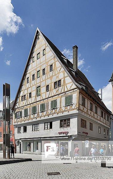 Ehemaliges Zunfthaus der Weber  Weberzunfthaus  Memmingen  Schwaben  Bayern  Deutschland  Europa