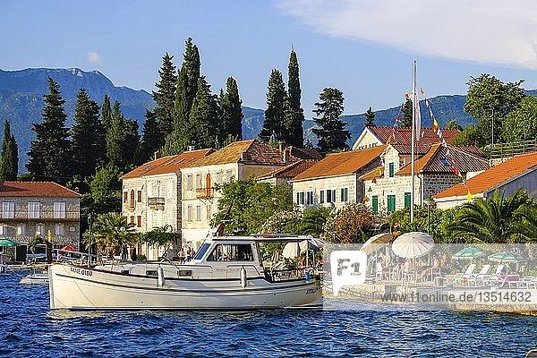 Dorf Rose  Halbinsel Lustica  Lu?tica  bei Herceg Novi  Bucht von Kotor  Montenegro  Europa