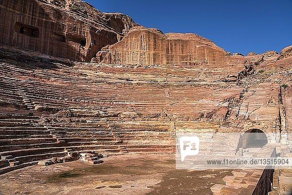 Das Römische Theater  Petra  Jordanien  Asien