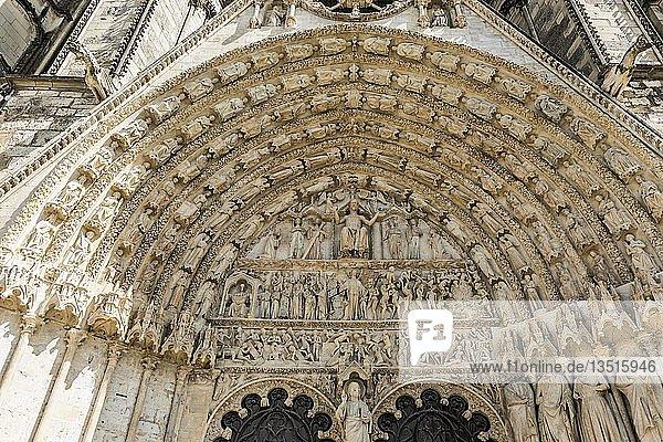 Hauptportal  Kathedrale Saint Etienne  UNESCO-Weltkulturerbe  Bourges  Departement Cher  Region Centre-Val de Loire  Frankreichg