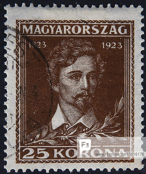 Sándor Pet?fi oder Alexander Petrovics  ein ungarischer Dichter und Nationalheld  Porträt auf einer ungarischen Briefmarke  Ungarn  Europa