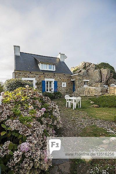 Haus am Meer  La Gouffre  Plougrescant  Côte de Granit Rose  Cotes d'Armor  Bretagne  Frankreich  Europa