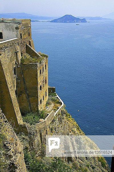 Felsenfestung Terra Murata  ehemaliges Gefängnis  Procida  Golf von Neapel  Kampanien  Italien  Europa