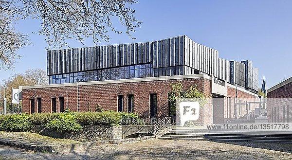 Paderhalle  Veranstaltungs- und Mehrzweckhalle  Paderborn  Ostwestfalen  Nordrhein-Westfalen  Deutschland  Europa